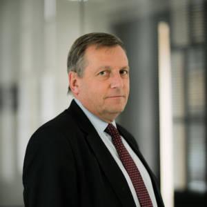 Portrait of staff member Peter Inskip